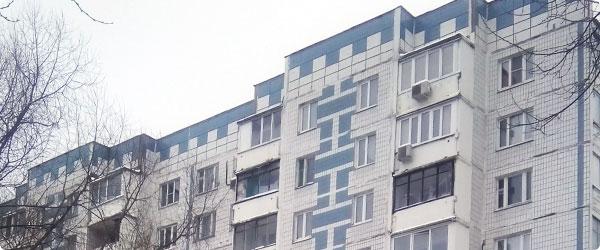 Услуги по остеклению балконов и лоджий в домах серии 504.