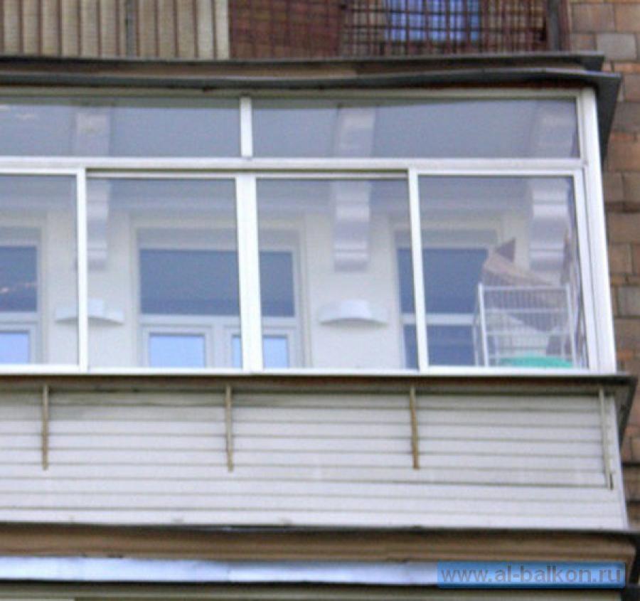 Остекление балконов в сзао.